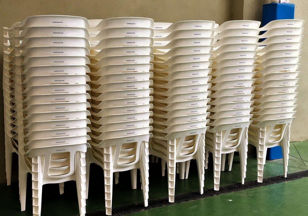 alquiler-de-sillas-de-plastico-para-eventos