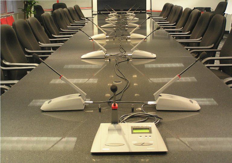 microfonos-para-reuniones-de-alquiler
