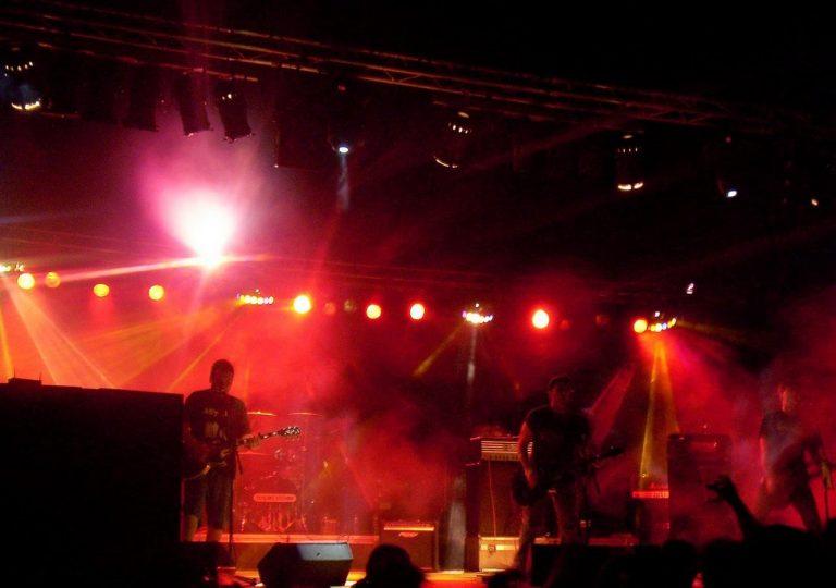 alquiler de equipo de sonido para noche de rock