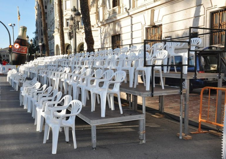 alquiler de gradas con sillas